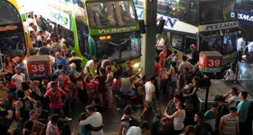 Fin de semana largo: Más de 870 mil personas viajaron por el país