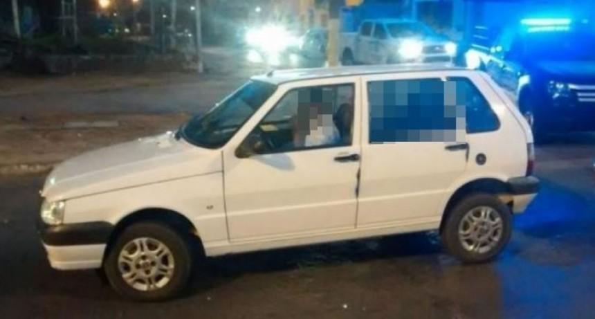 Mujer muerta en un auto: lleva fallecida más de 24 horas y la hija queda detenida