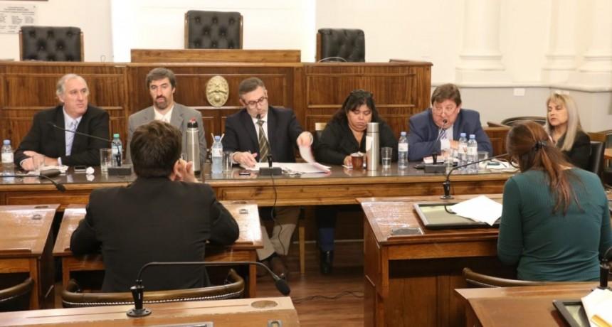 Se realizaron audiencias públicas para cubrir cargos de jueces en la Justicia entrerriana - EL DR. LAROCCA REES sin inconvenietes