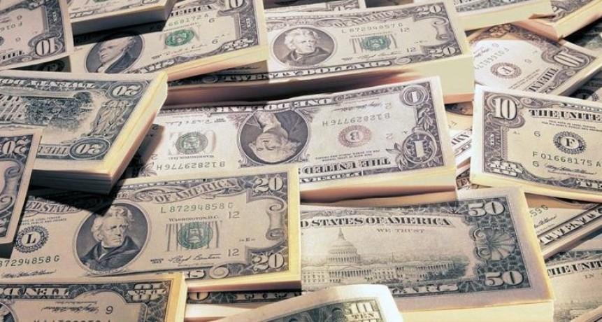 El dólar subió al récord de $ 25,55 (con un avance del 22,1% en mayo, trepó más que en todo 2017)