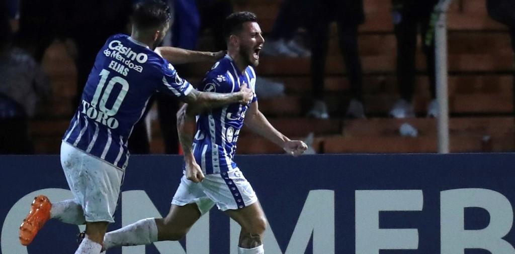 En un final caliente, Godoy Cruz ganó y se metió en octavos de la Copa Libertadores