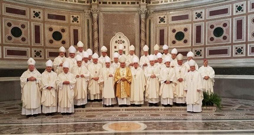 El Papa expresó a obispos argentinos su deseo de visitar el país