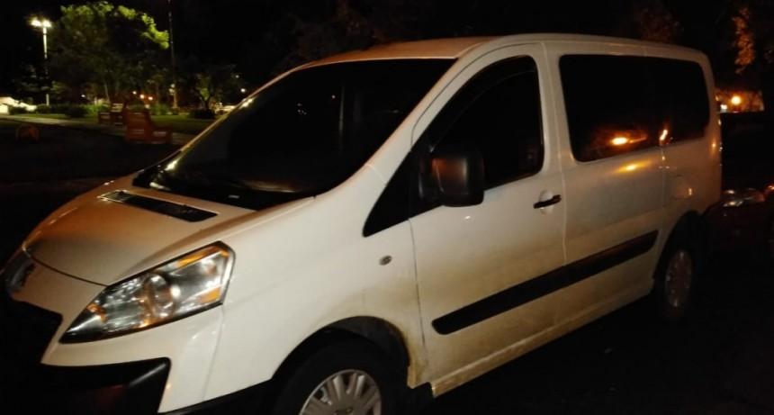 Secuestro de una camioneta Peugeot Expert