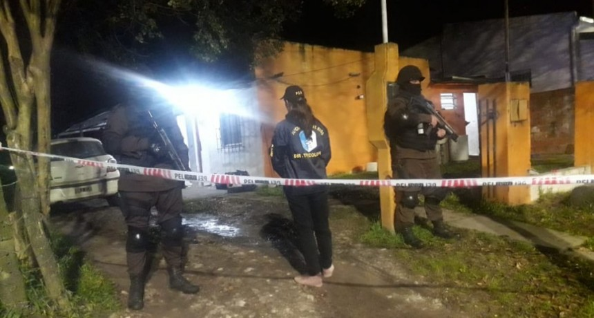 Allanan vivienda en Barrio Centro .Tres Detenidos y secuestras estupefacientes
