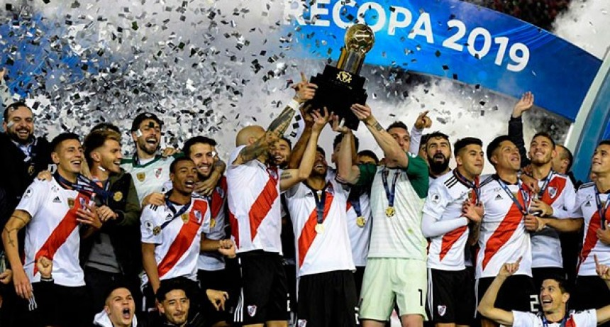 River goleó a Paranaense y se consagró campeón de la Recopa Sudamericana