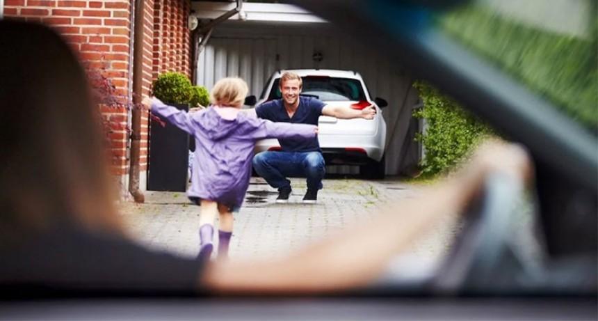 Hijos de padres separados podrán trasladarse de casa una vez por semana
