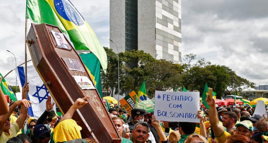 Brasil registró un récord diario de contagios de coronavirus: casi 20.000 casos