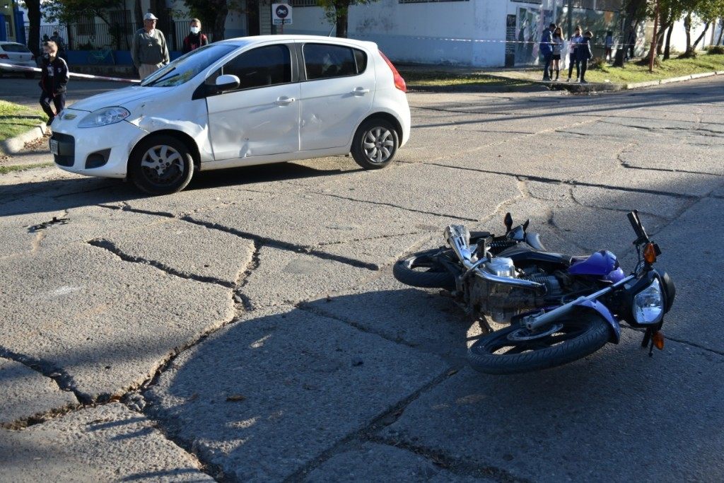 Accidente de tránsito en calle Echague y 25 de Mayo
