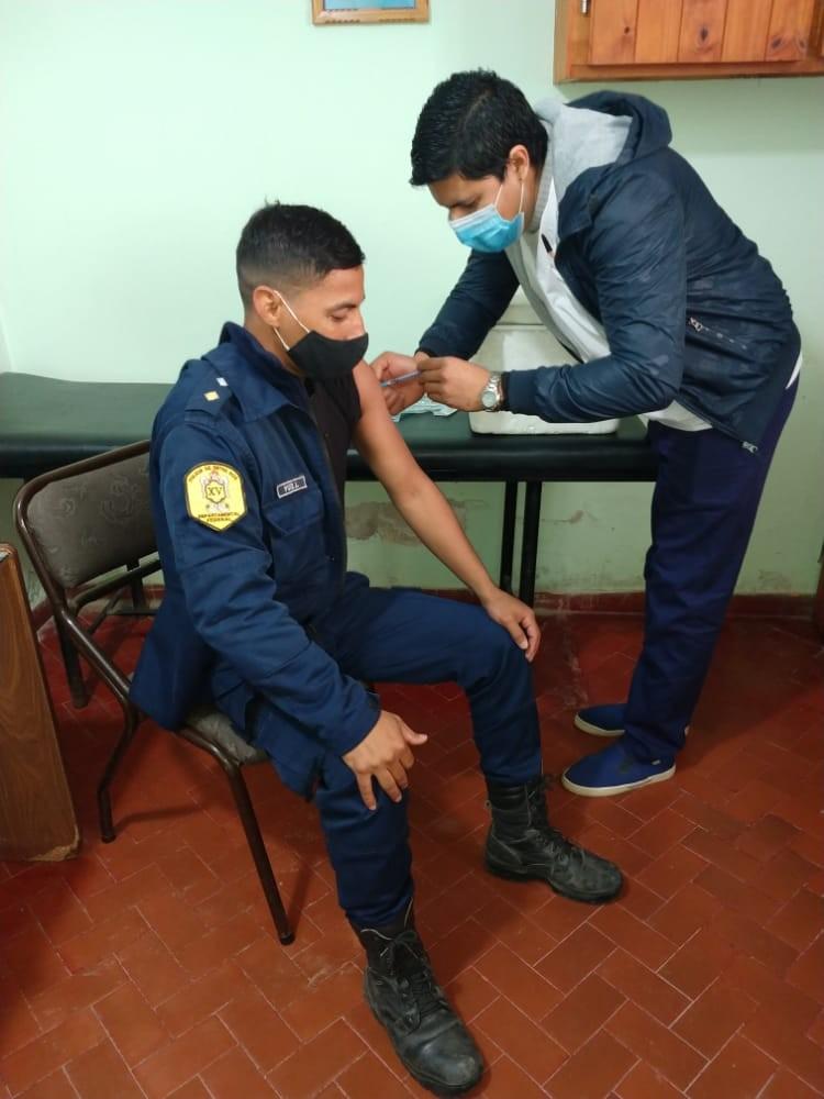 VACUNACION DEL PERSONAL POLICIAL
