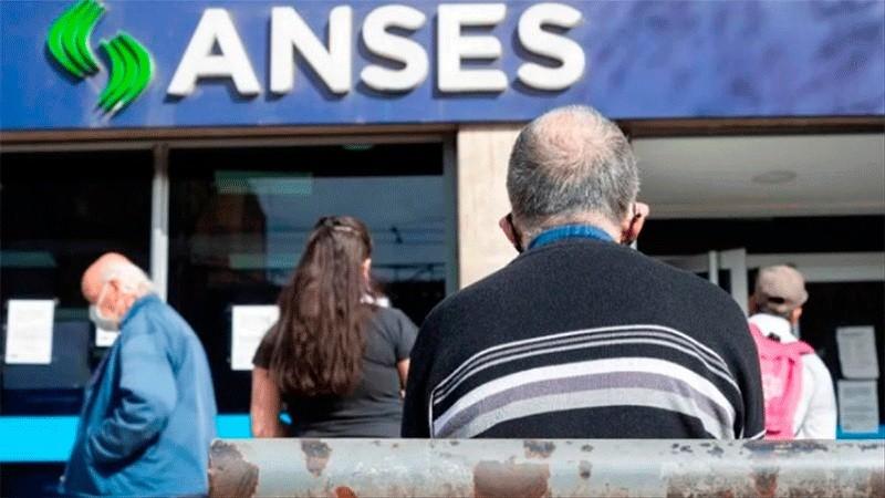 Jubilaciones, AUH y otros beneficios de ANSES: quiénes cobran este viernes