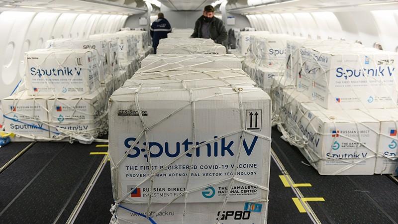 Partió un nuevo vuelo de Aerolíneas a Rusia para buscar más vacunas Sputnik V