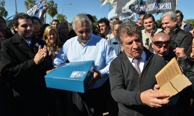 Sergio Urribarri participó de la inauguración del monumento a Andresito Artigas