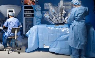 Da Vinci, el robot cirujano de cuatro brazos argentino