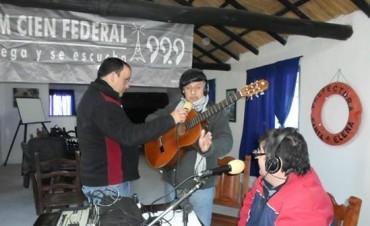 FmCienFederal estuvo en Santa Elena con el programa