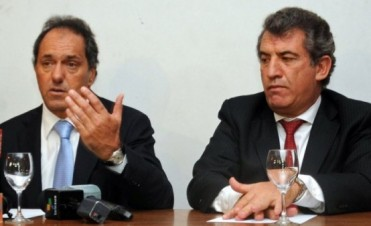 Daniel Scioli viene a Entre Ríos y lo recibe Urribarri