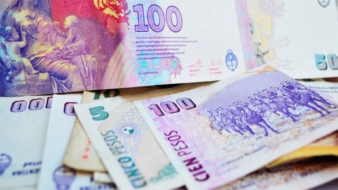 Suben a 5.000 pesos la extracción de efectivo al comprar en comercios