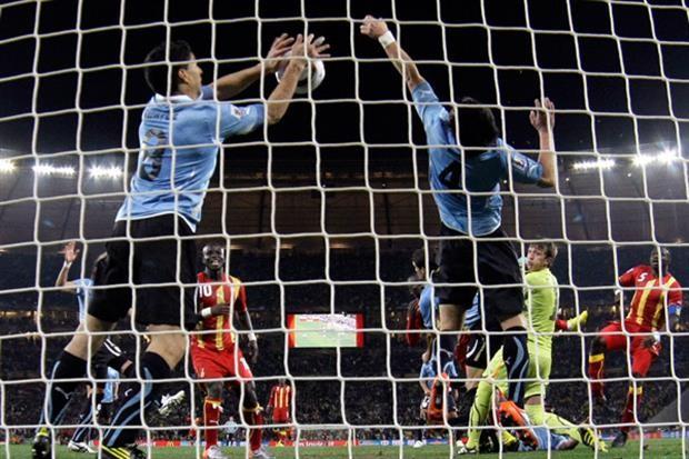 Las modificaciones que evalúan para cambiar el reglamento del fútbol: