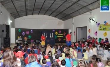 El Municipio acompaño a los Jardines de Infantes con un espectáculo infantil