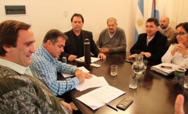 Se formalizó el acuerdo entre el gobierno y los sindicatos docentes