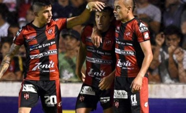 Patronato cerró el torneo con un empate ante Atlético Tucumán