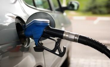 Aumenta 7% la nafta y 5,9% el gasoil