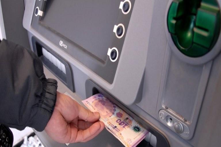 Este viernes se inicia el cronograma de pago de las becas provinciales