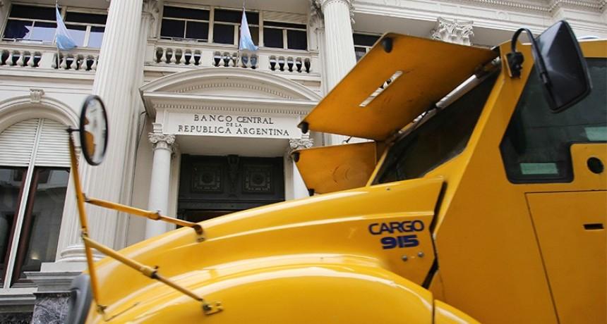 Las reservas del Central bajaron 6.529 millones de dólares en mayo
