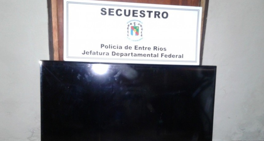 Tres detenidos y secuestro de TV por robo en barrio Itatí