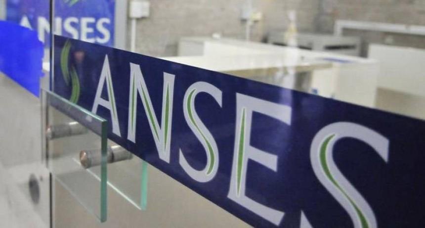 Los trabajadores pueden consultar su historia laboral desde la web de ANSES