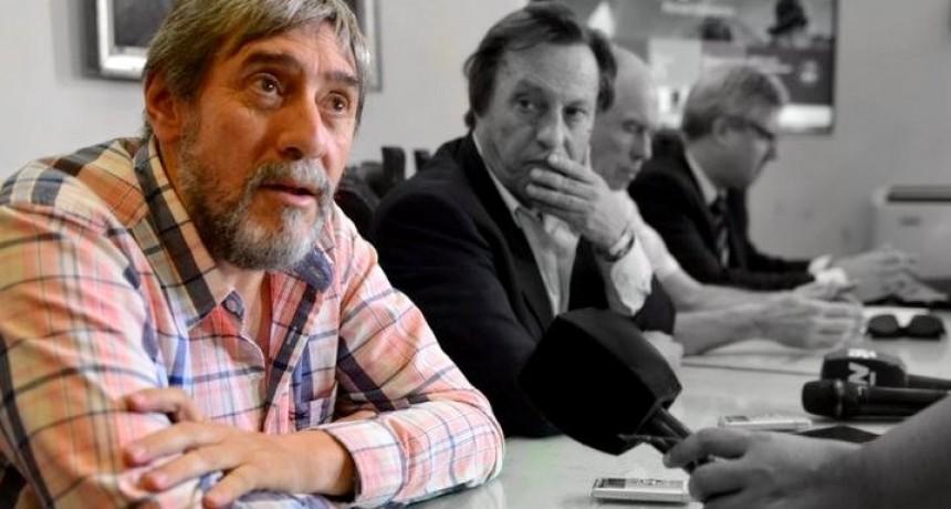 Se complica la situación de Varisco: denunciaron a dos funcionarios y allanaron a su secretario de Medios, José Escobar