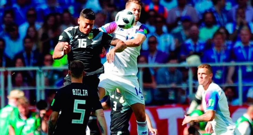 La Selección no pudo quebrar a Islandia: Lionel Messi erró un penal y apenas sumó un punto en el debut