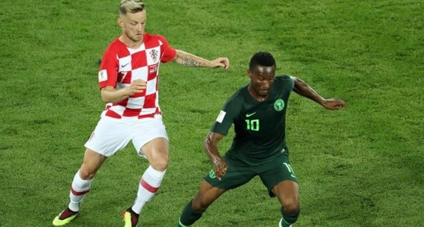 Croacia festejó frente a Nigeria y lidera en el grupo de Argentina