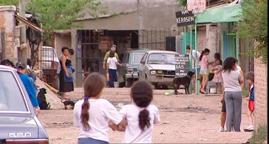 El 8,5 % de los niños argentinos pasa hambre y el 33,8% se alimenta en comedores