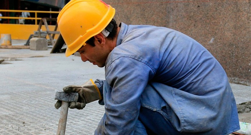 Se perdieron 94.500 empleos en los primeros cuatro meses del año
