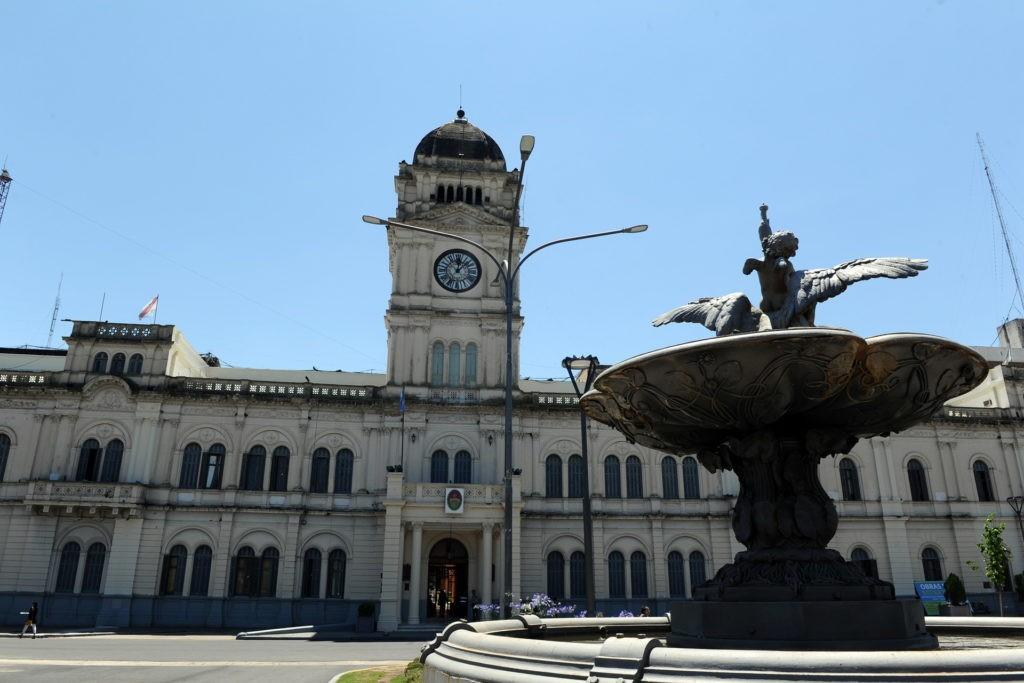 Este sábado comienza el pago de haberes en la administración pública provincial