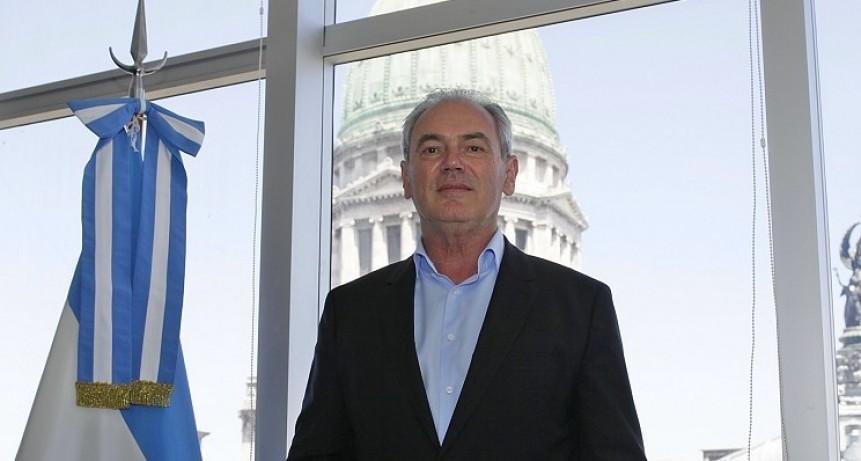 """El """"aporte ilegal"""" de Benedetti a la UCR que condicionó el destino partidario"""