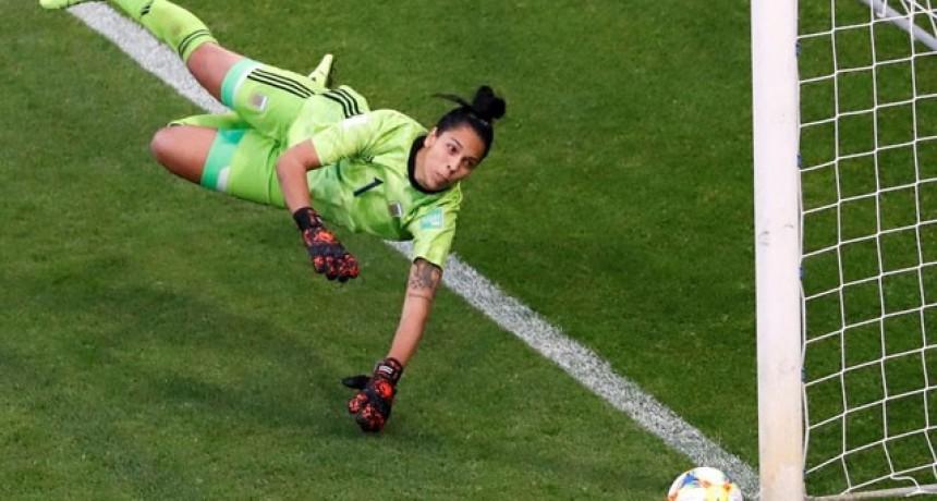Mundial Femenino: Argentina no pudo ante Inglaterra y perdió en su segunda presentación