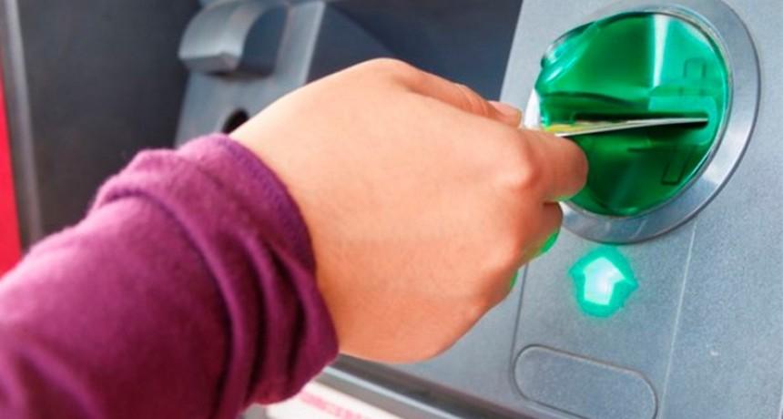 Habrá otro importante aumento en las comisiones bancarias