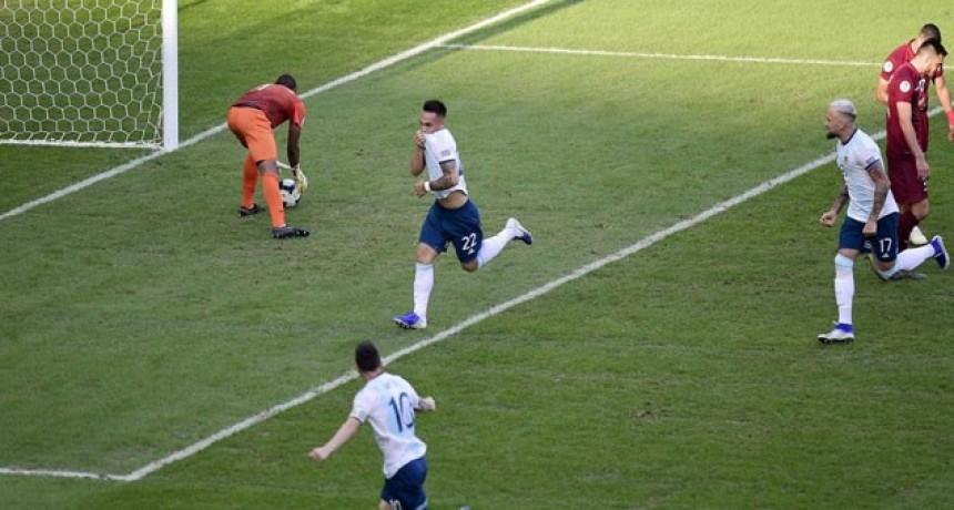 Argentina le ganó 2-0 a Venezuela y jugará el clásico ante Brasil en las semifinales de la Copa América
