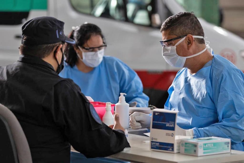 Coronavirus en la Argentina: hay 35 nuevos muertos y los contagios diarios llegaron a 1958