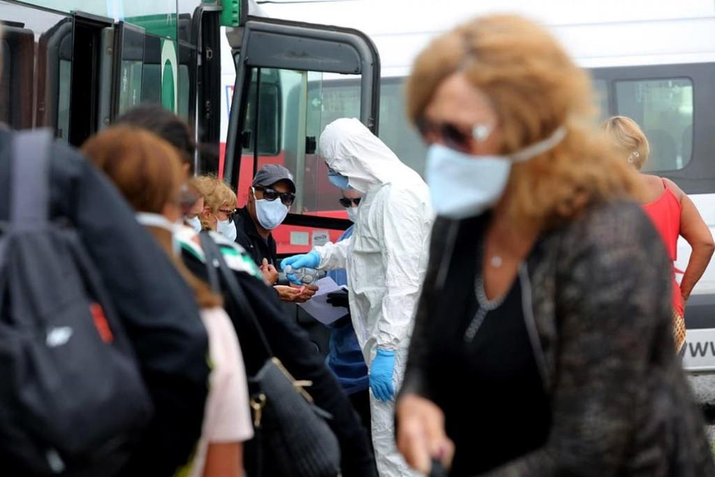 Coronavirus en la Argentina: 38 muertos y 2635 contagios en un día