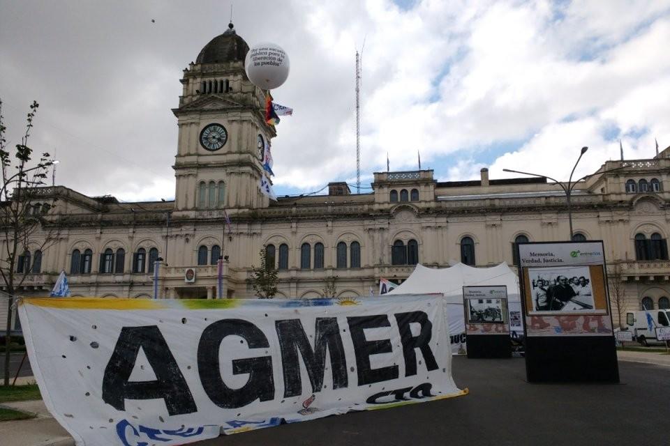 """""""Apagón"""" (desconexión) de 3 días de docentes en contra de la emergencia"""