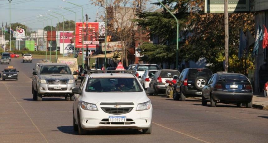 Distanciamiento social: Cuántas personas por auto y cuándo exigen certificado