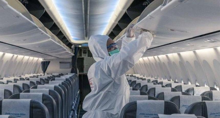 Cómo desinfecta Aerolíneas a sus aviones antes y después de cada vuelo