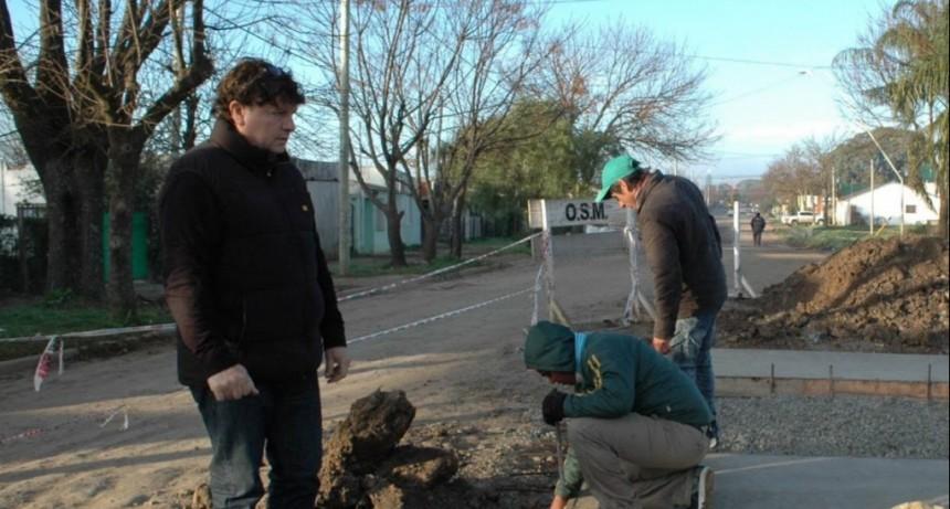 El funcionario José Luis Bustamante nos informa de la marcha de las obras en Federal