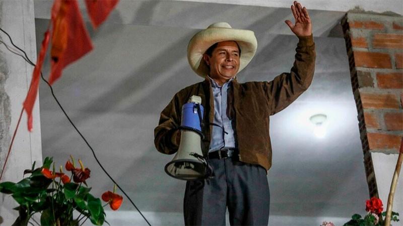 Perú: Castillo adelanta a Fujimori en un reñido y ajustado recuento de votos