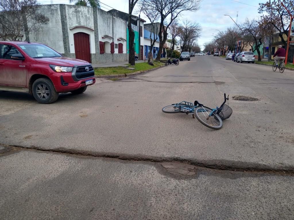 Accidente de tránsito en calle Donovan y Rivadavia