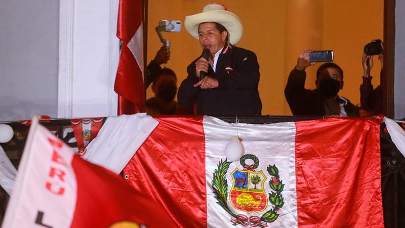 Castillo se adjudicó el triunfo en el balotaje presidencial en Perú