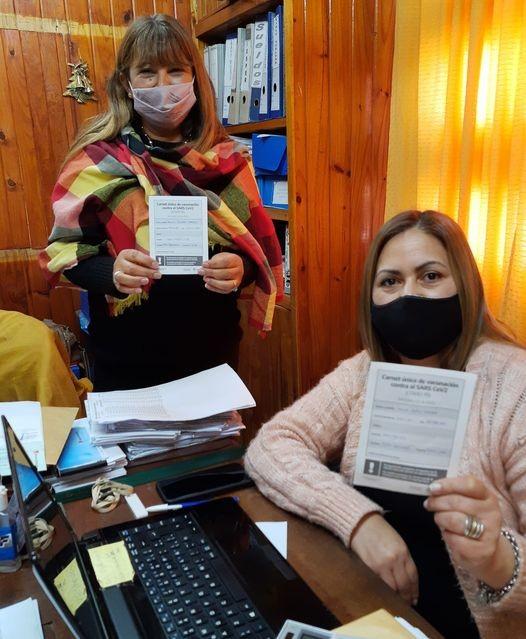 Empleados municipales de C. Bernardi  recibieron  la 1° dosis de la vacuna contra el COVID-19.