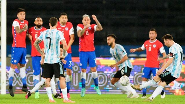 Argentina debutó en la Copa América con un empate por 1 a 1 ante Chile